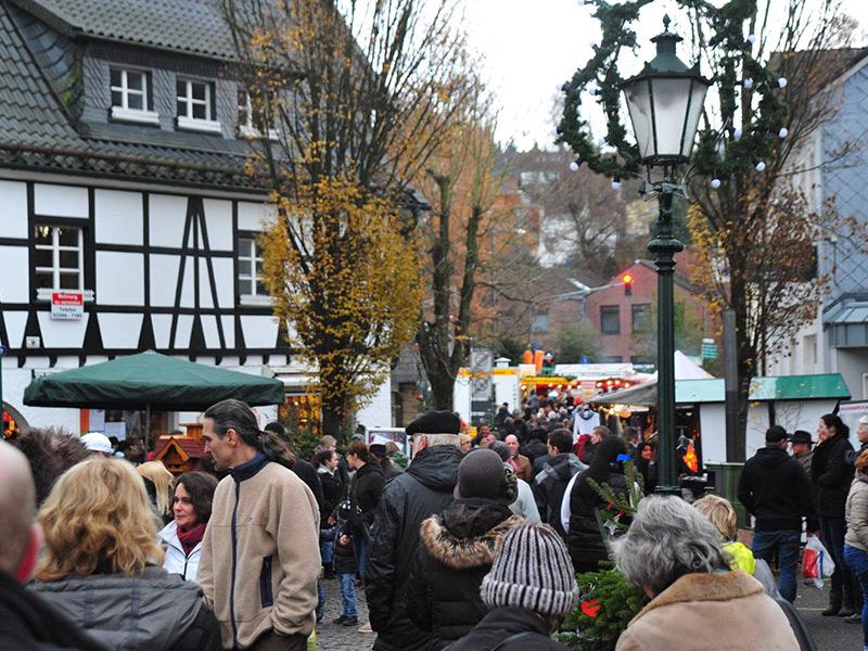 weihnachtsmarkt-agl-lindlar-ortskern.jpg
